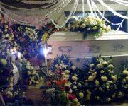Entre llanto, tristeza y dolor sepultan a Rocío en Landa, exigen justicia